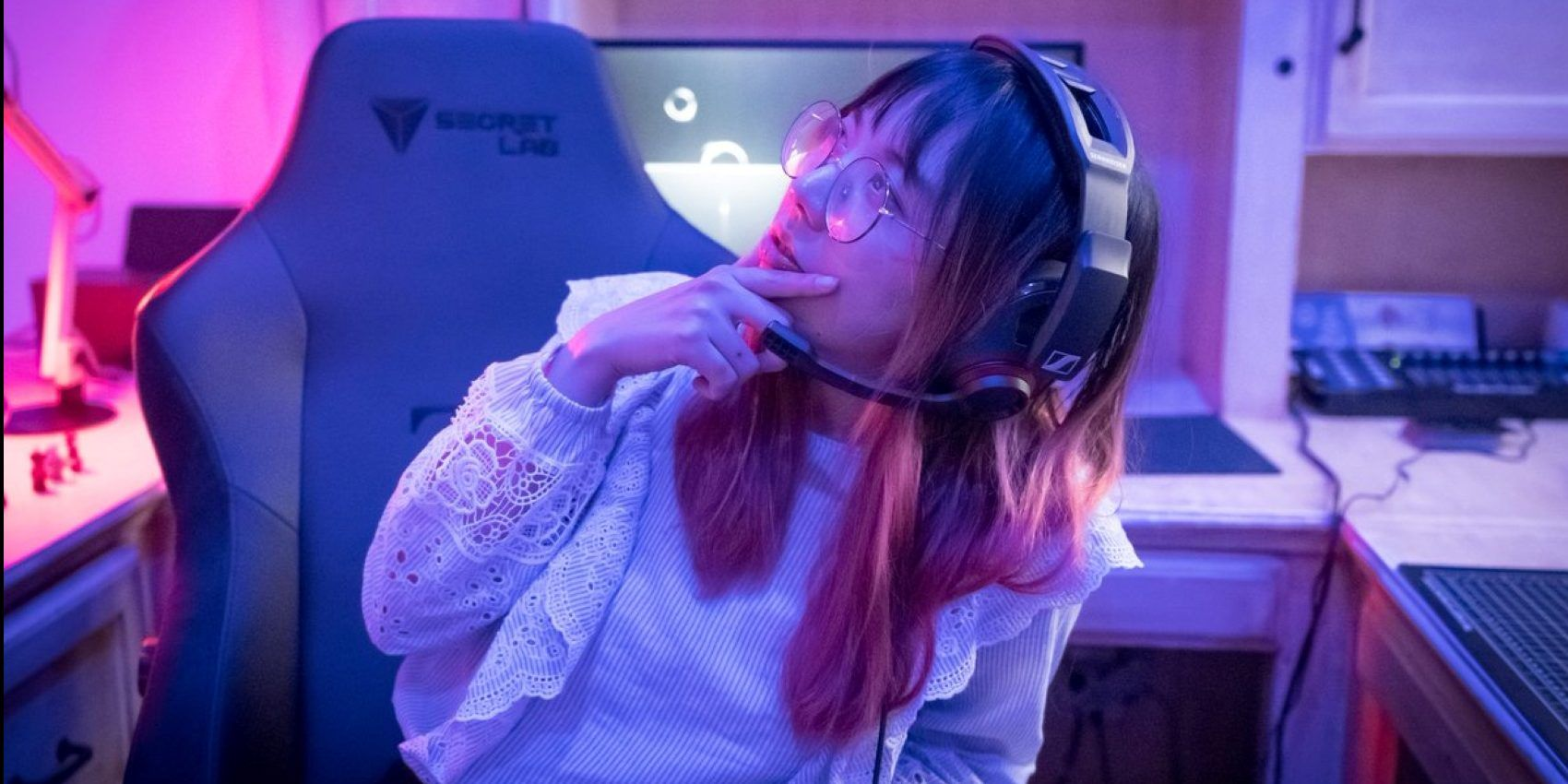 Lilypichu's Stream Key Gets Stolen, Perpetrator Chills & Watches ...